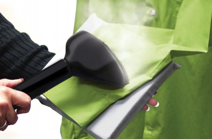 Глажка рукавов рубашки с помощью отпаривателя